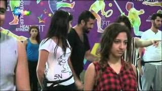 طلاب في حصة رقص مع هادي عواضة ج3 ليوم الاثنين 26-10-2015
