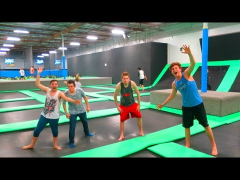Thumbnail: AWESOME TRAMPOLINE TRICKS!!