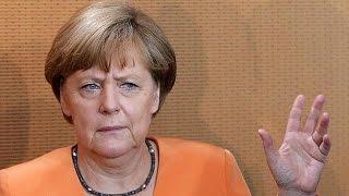 ميركل ترفض التفاوض على اتفاق جديد لدعم اليونان ماليا قبل الاستفتاء   1-7-2015