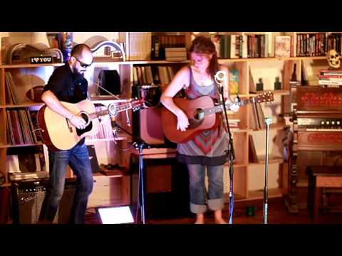 Kady Fox: The Bookstore Sessions