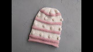 Вяжем спицами шапку с шишечками для девочки