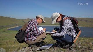 Старше на одно лето(Прошлым летом мы ездили со студентами-второкурсниками геолого-геофизического факультета НГУ на практику...., 2015-04-05T18:52:20.000Z)