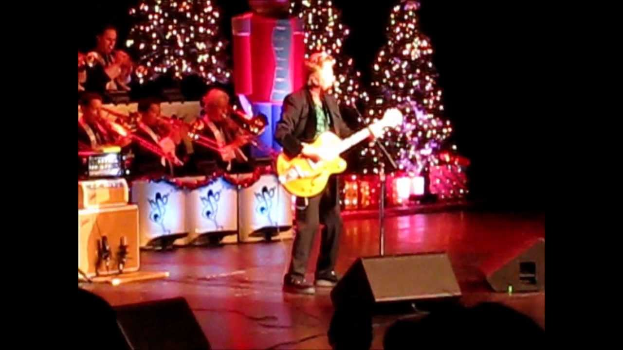 This Cat's on a Hot Tin Roof   Brian Setzer Orchestra Christmas  Extravaganza 20