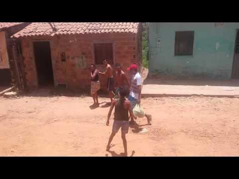 briga de vizinhos na rua da alegria pedreiras