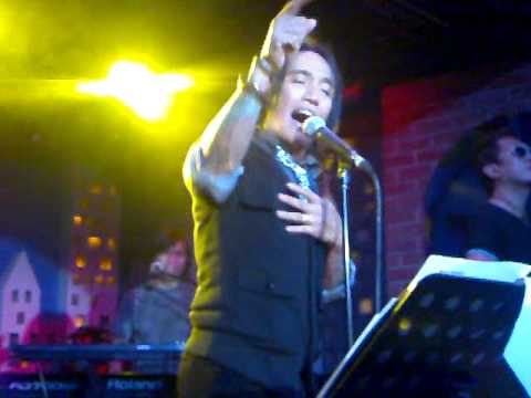 Arnel Pineda - Too much love will kill you @ Rockville,Jan.7,2011