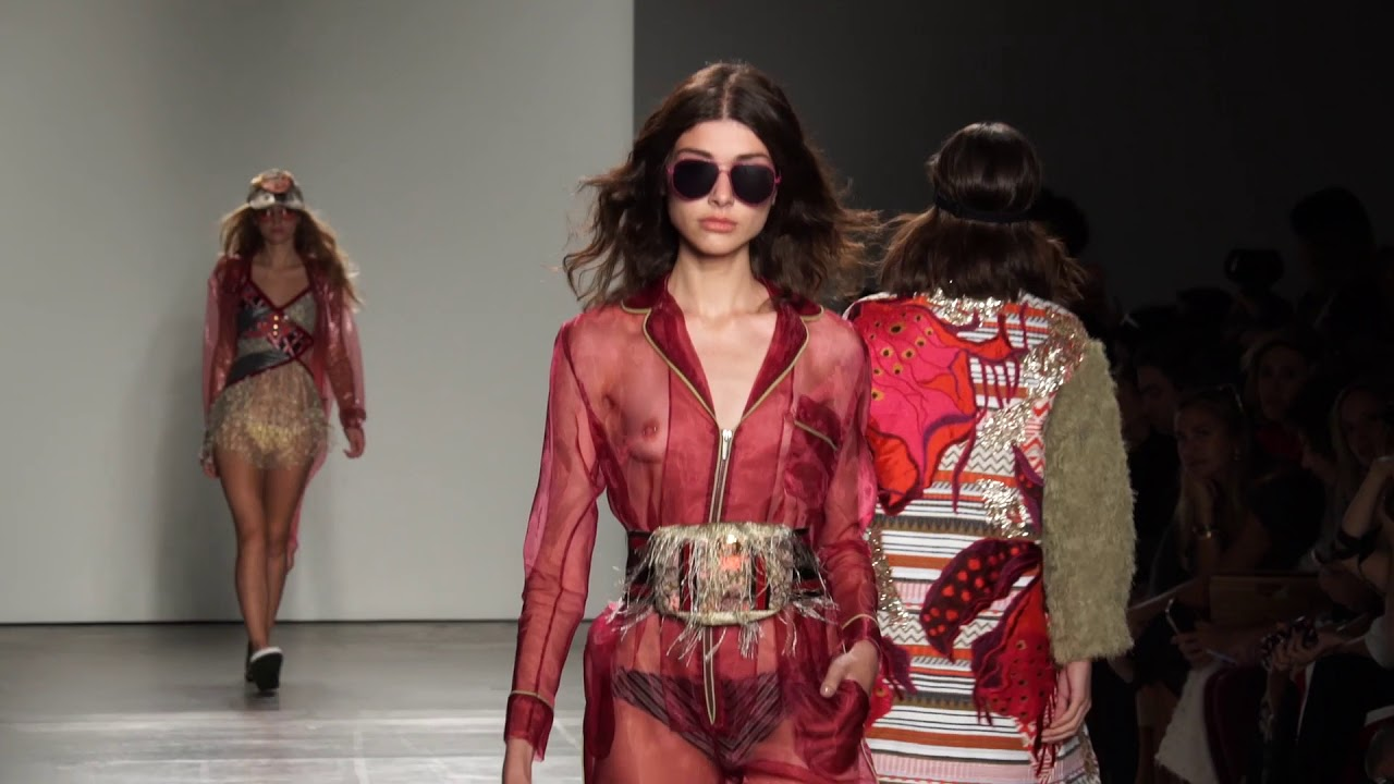 check out 3a415 d6433 CUSTO BARCELONA SS18 | New York Fashion Week 2017