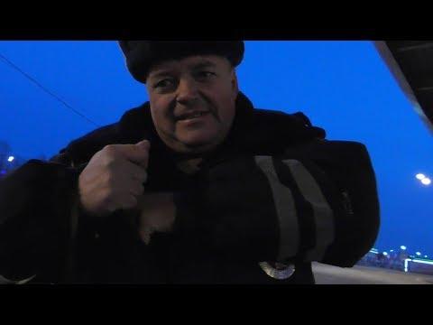 Попытка наехать на АЗАРОВА Львом Толстым))) Артемов 50-3902 скурил ПДД на перемене