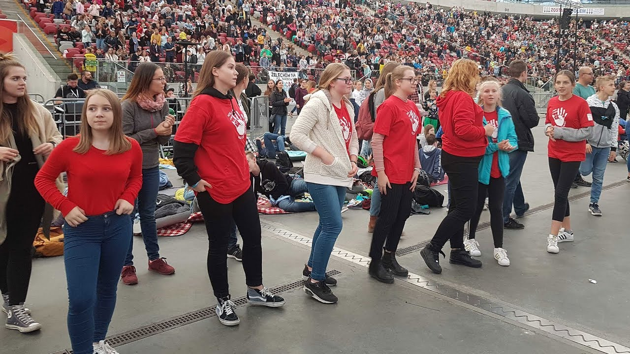 Thanh niên Ba Lan cầu nguyện cho Thượng Hội...