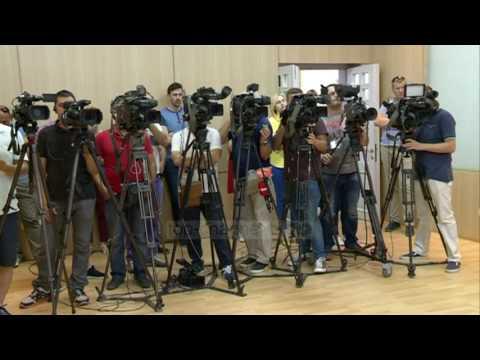 Basha nuk dorëhiqet: Ngrij funksionet e mia - Top Channel Albania - News - Lajme