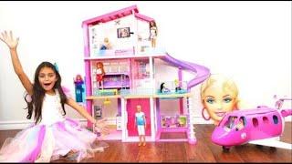 Heidi و Zidane يريدوا نفس البيت. Barbie Playhouse pretend play