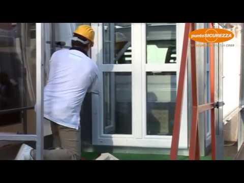 Dimostrazione tentativo scasso finestra blindata punto sicurezza