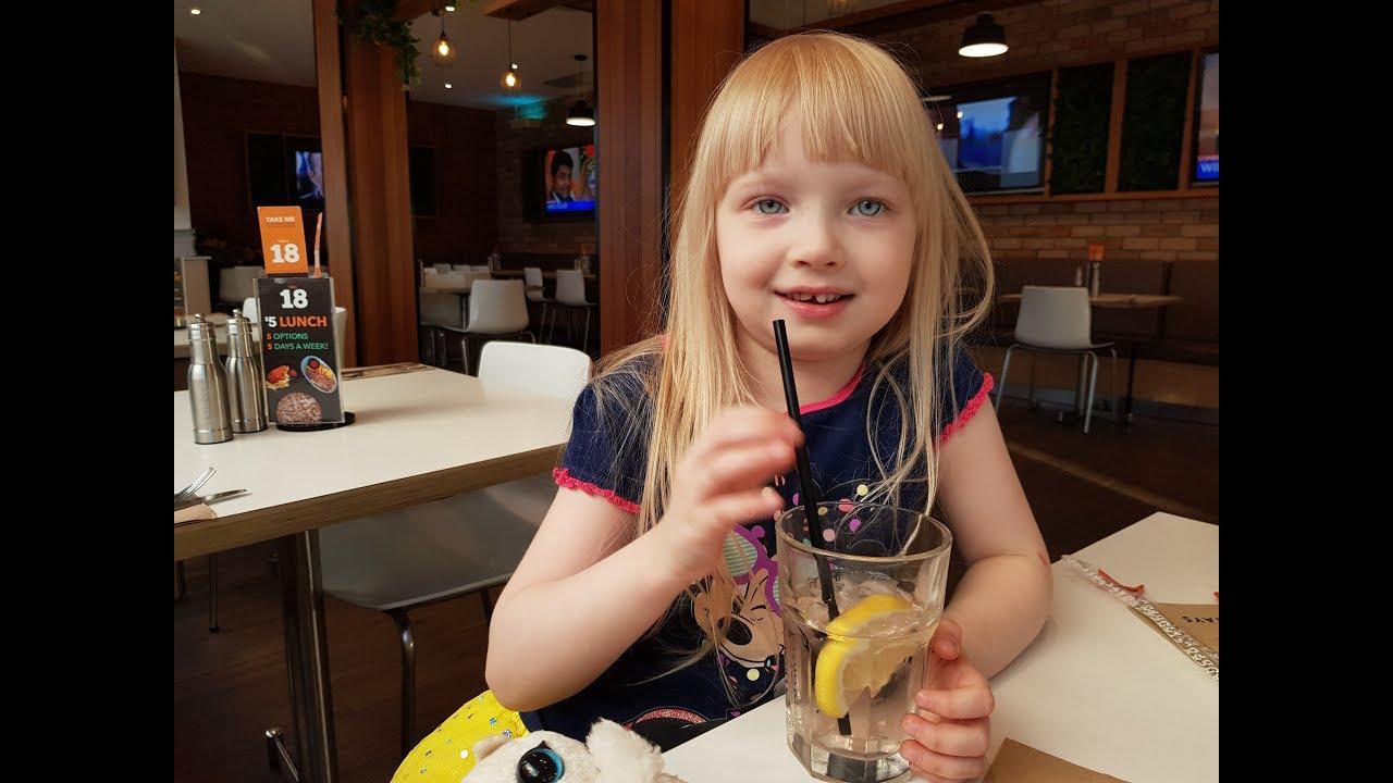 ланч в любимом кафе перед маминым днём в Австралии