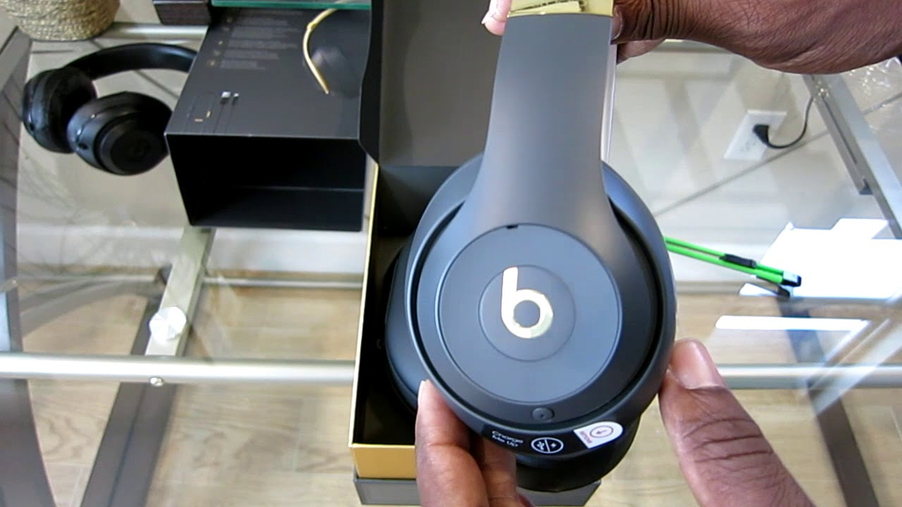 f64cfa47c40 New Apple Beats Studio 3 Wireless Headphones Shadow Gray Unboxing & Setup  Review