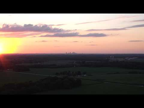 Z30 Camera and St  Louis Arch 14 miles away