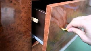 Выдвижные ящики - защита от детей(В этом видео я расскажу вам, как защитить ручки ребенка от выдвижных ящиков на колесиках. Очень простой..., 2013-11-17T06:38:15.000Z)