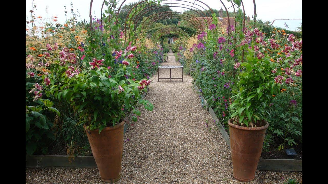 Garden in august in a garden - The Cutting Garden In August