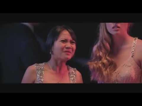 Emily Bett Rickards in Comedy Bang! Bang! 24.06.2016 FULL HD!