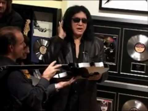 gene simmons at rock star gallery youtube. Black Bedroom Furniture Sets. Home Design Ideas