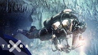 Gefährliches Tauchen in den Blue Holes | Karibik