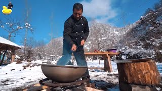 Traditional Russian Borscht Recipe | Ukraine Borsch soup with cabbage | Wilderness Cooking