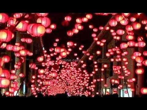 山口七夕ちょうちんまつり、幻想的な赤い灯りに包まれる「日本三大火祭り」