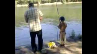 Сашка рыбачит