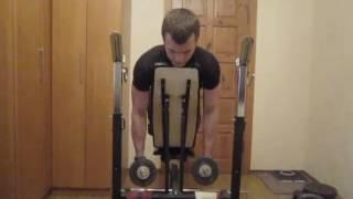 Тренируем мышцы спины дома. Урок 05 Тяга гантелей лежа на наклонной скамье