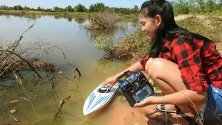 Amazing Girl Fishing By Using RC Boat In Cambodia -Khmer Fishing At Siem Reap Cambodia