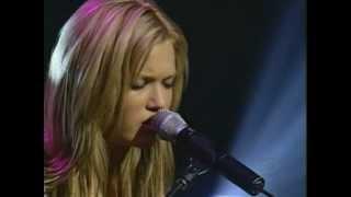 Mandy Moore - Crush (Live @ Miss Teen Usa, 2001)