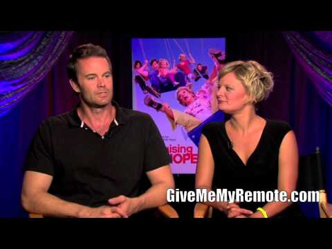 RAISING HOPE: Martha Plimpton and Garret Dillahunt Talk Guest Stars and Season 3