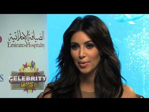 Kim Kardashian loves her Blackberry - Hollywood.TV