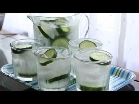 Cucumber Water (8.24.12 - Day 12) How to make Cucumber Water?