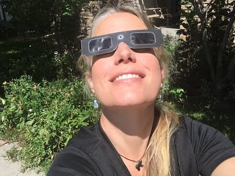 Watching the solar eclipse in Colorado 2017 - First Time LIVE