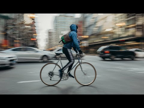 Photographing Motion With Camera Panning