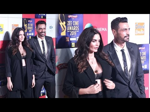 Arjun Rampal's Girlfriend Gabriella Demetriades H0T In Open Dress At Zee Cine Awards 2019
