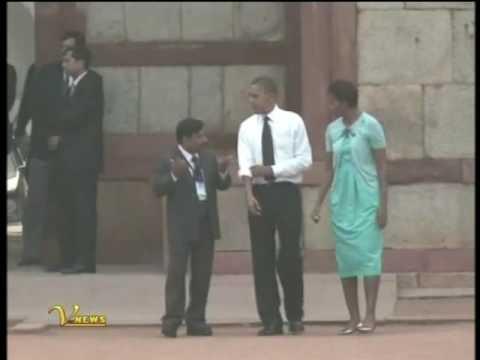 DELHI BARACK OBAMA MICHELLE OBAMA WALKING AT RED FORT IN INDIA