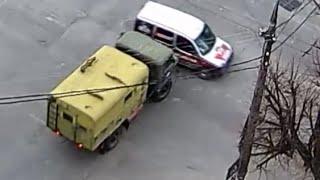 Грузовик протаранил фургон. 14.03.2016. Вечный огонь.
