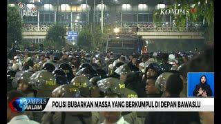 Download Video Polisi Bubarkan Massa yang Berkumpul di Depan Gedung Bawaslu MP3 3GP MP4