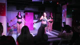 """Busty Licious, Wripple Rouge & Dixie Maneater performing """"Lick My S..."""