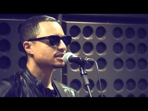 "José James - ""Come to My Door"" - Ao vivo na 3"