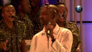 Rex Omar performs Didadadi at Akosua Agyapong at 25 concert