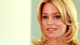 Elizabeth Banks on Planned Parenthood, Women