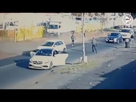 Smart driver outmanoeuvres