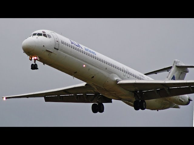 MADDOG MD-82 LZ-DEO Returns to Newcastle Airport