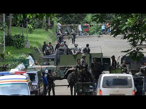 Clashes between soldiers and ISIL-affiliated militants continue in Marawi