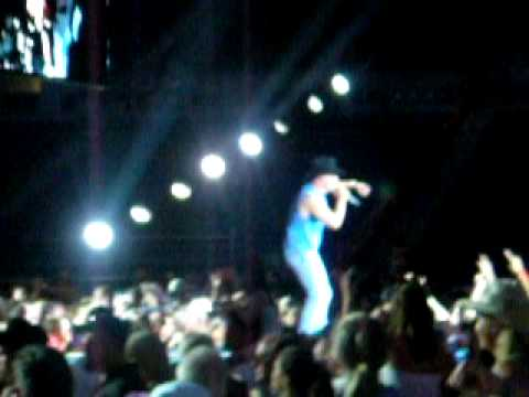 Keg in the Closet  - Kenny Chesney! Live Flip FLOP Tour @ Seattle!
