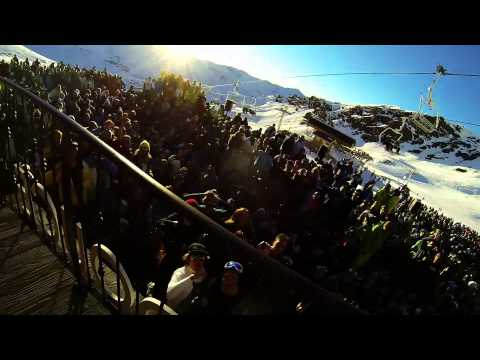 La Folie Douce - The Singer Is Getting Naughty