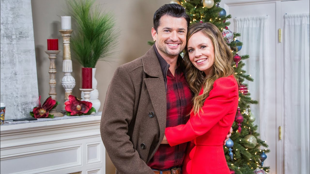 """Download Rachel Boston & Wes Brown """"Check Inn to Christmas"""" Interview - Home & Family"""