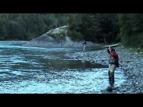 RiosySenderos.com - Pesca con mosca seca río arriba