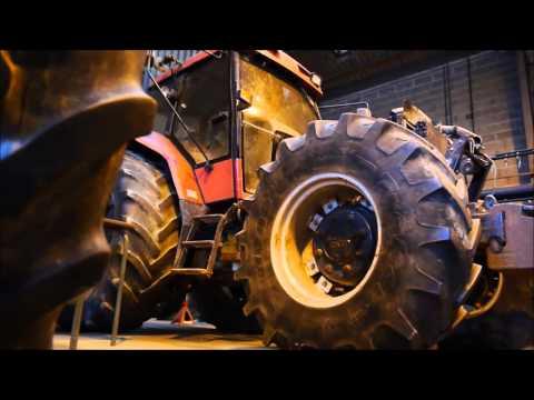 Vidéo de mécanicien/ne-réparateur/trice en matériel agricole